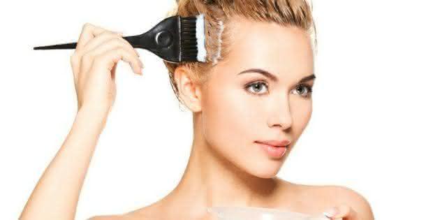 img-641871-como-pintar-o-cabelo-em-casa-hairstylist-da-dicas-para-evita20141106121415284908