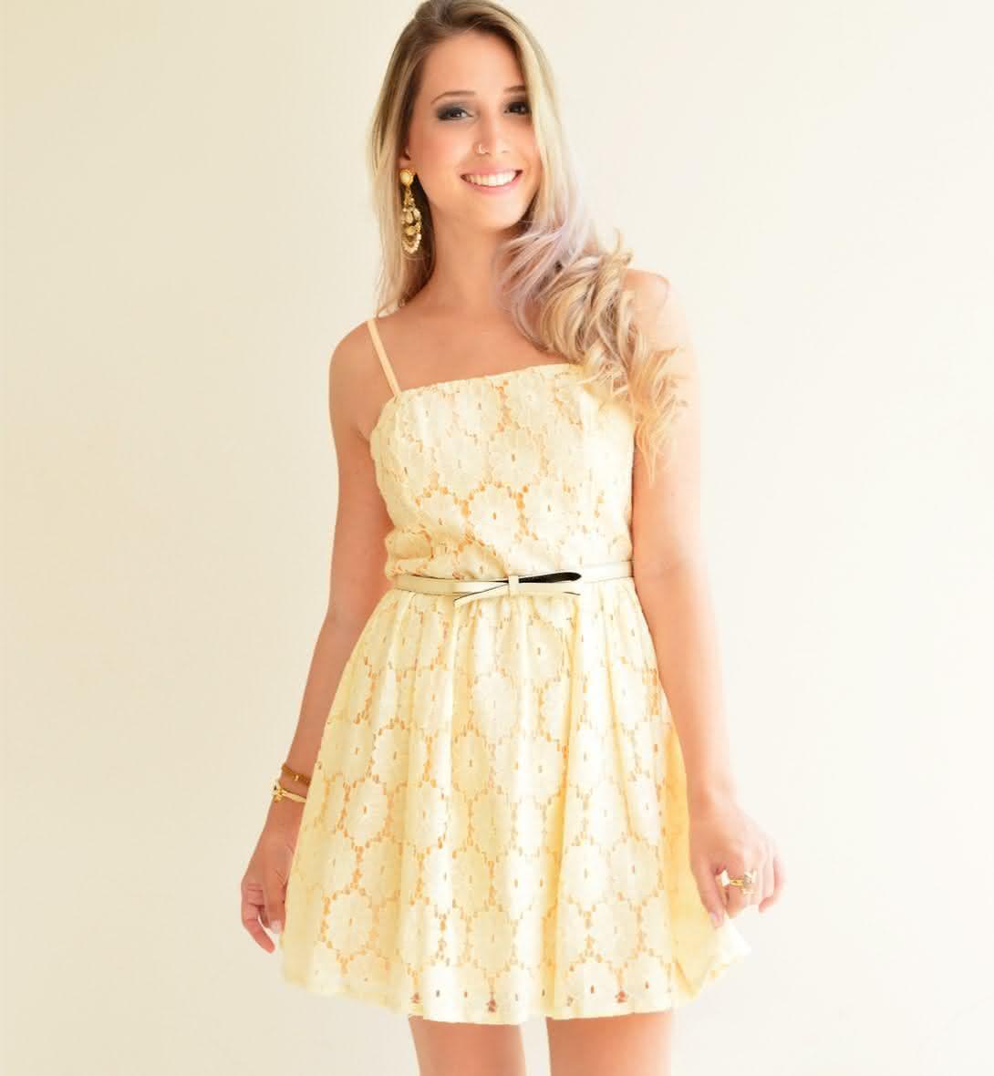 Vestido-de-Renda-Amarelo-Claro