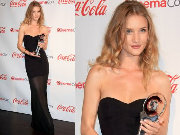 rosie-huntington-whiteley_vestido-longo_preto_transparente