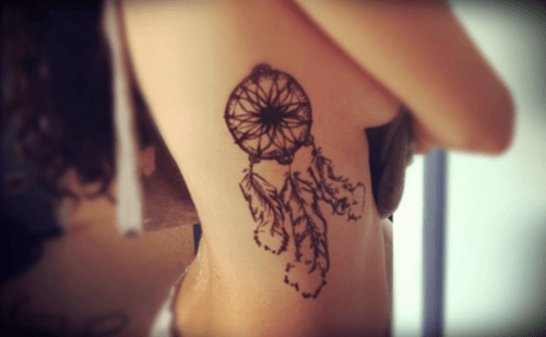 tattoo-feminina-na-costela