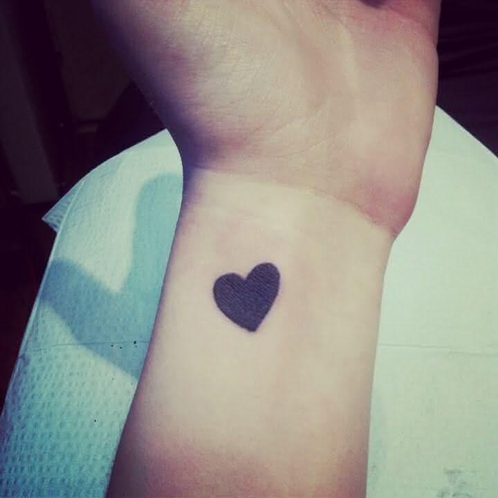 tatuagem-delicada-tattoo-corac3a7c3a3o-heart
