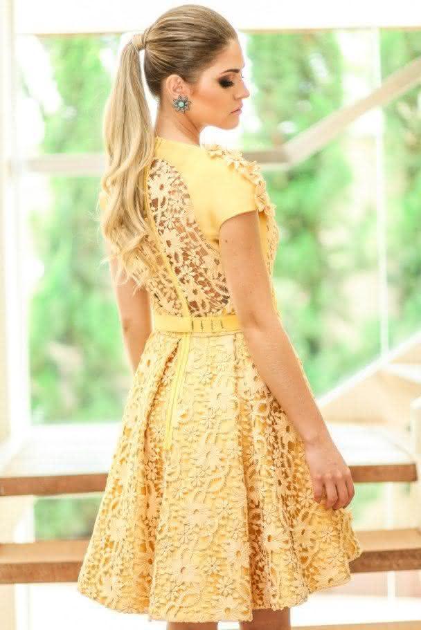 vestido de renda- amarelo curto