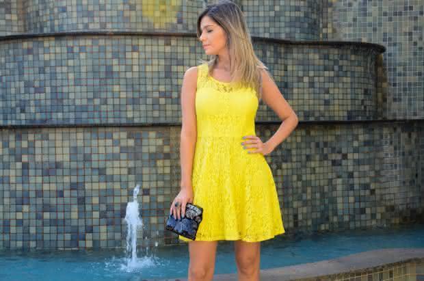 vestido de renda- amarelo