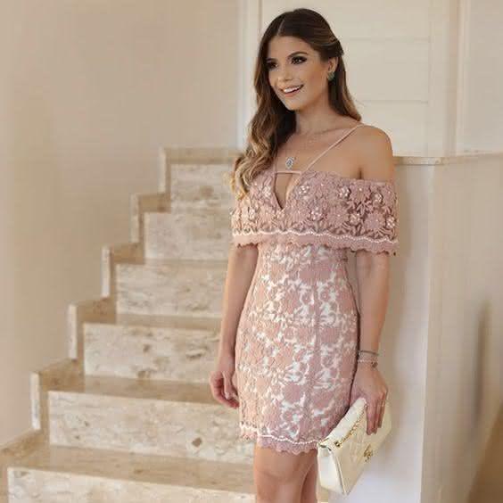 vestido de renda- bege
