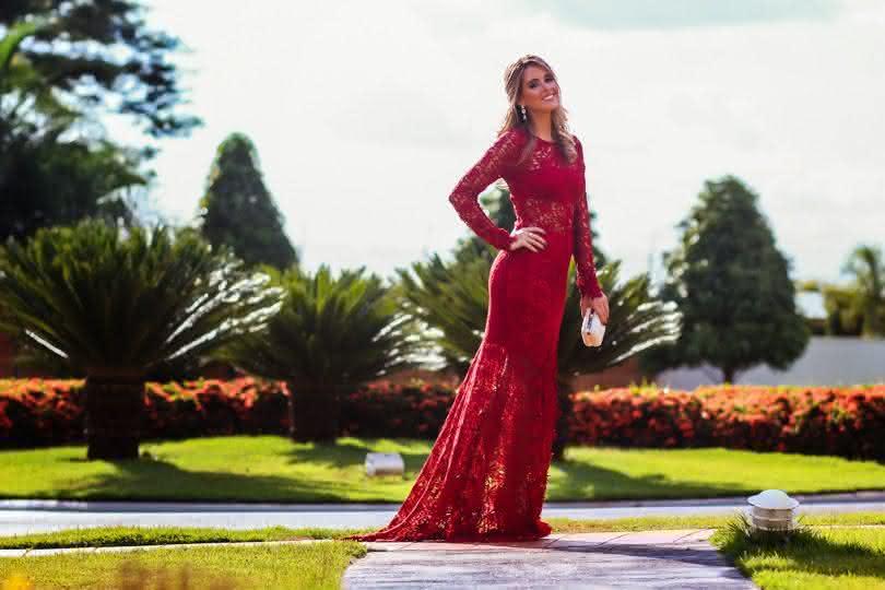 vestido de renda vermelho- longo