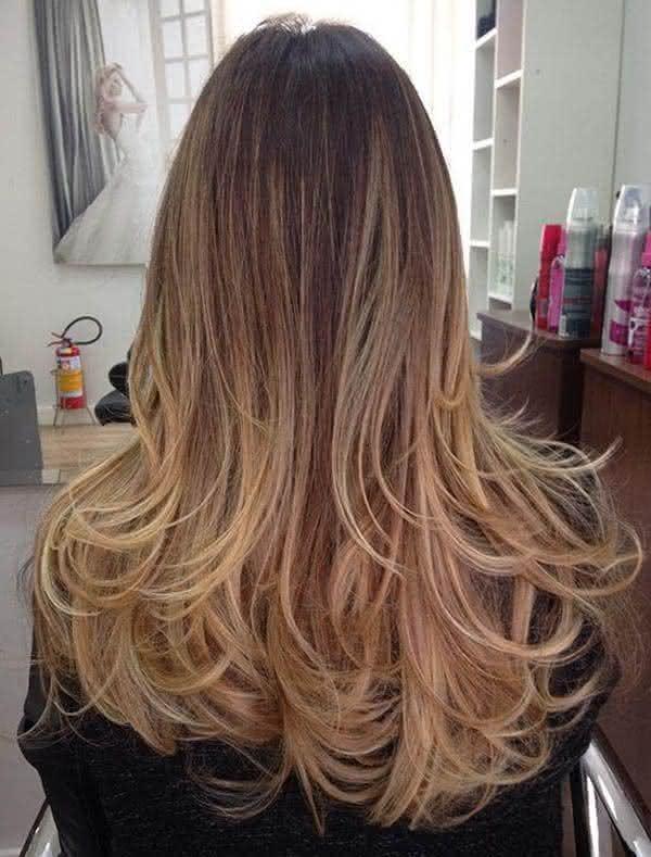 corte para cabelos longos com luzes