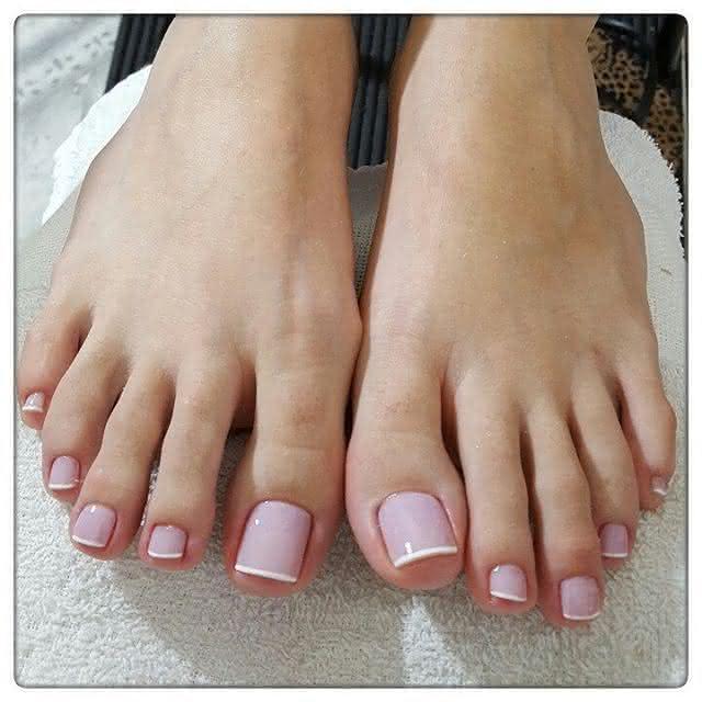 Meus pezinhos de unhas vermelhas e sandalia para voces - 2 5