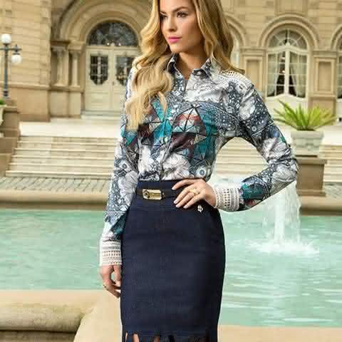 29f5703c1 As blusas evangélicas femininas 2018 social podem ser encontradas nas mais  variadas lojas e os modelos com estampas e cortes modernos dão ao look ...