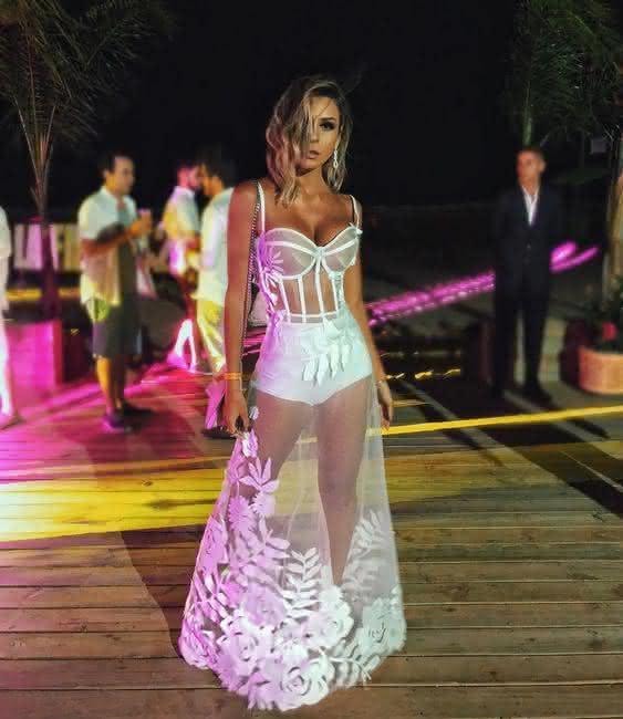 247d855041 vestido-com-transparencia vestido-transparente-longo