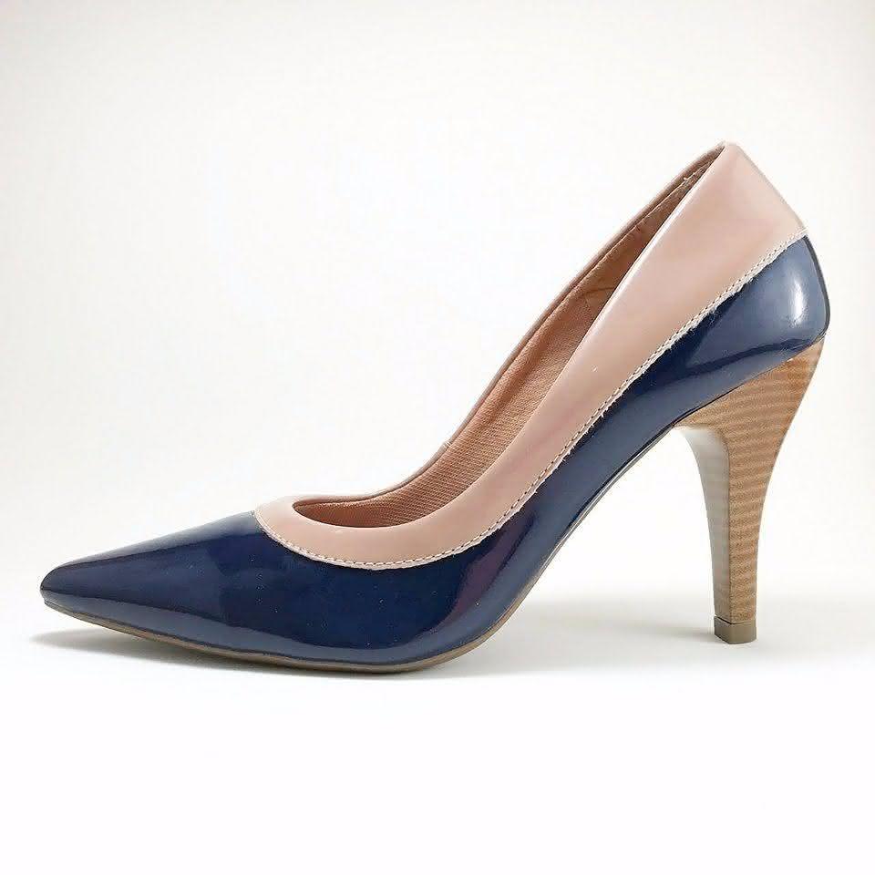 46ac409a0c5e8 Mas, os scarpin não são a única opção, hoje em dia já existem sapatênis  para mulheres, botinhas que podem combinar com estilo de roupa social e  sapatilhas.