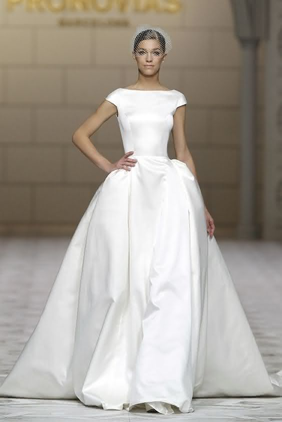 Plain Classic wedding dresses pictures new photo