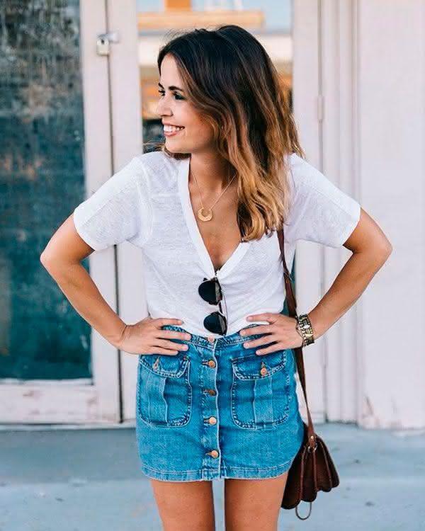f56ed268d3 ... verão 2019… nós separamos mais algumas fotos de saias jeans 2019 para  você se inspirar ainda mais e não ter desculpas para não arrasar e apostar  nessas ...