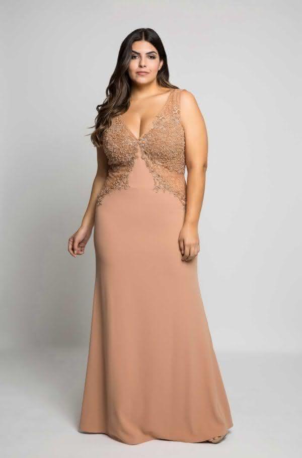 81296ed6f5 Os vestidos de gala 2019 plus size são super confortáveis