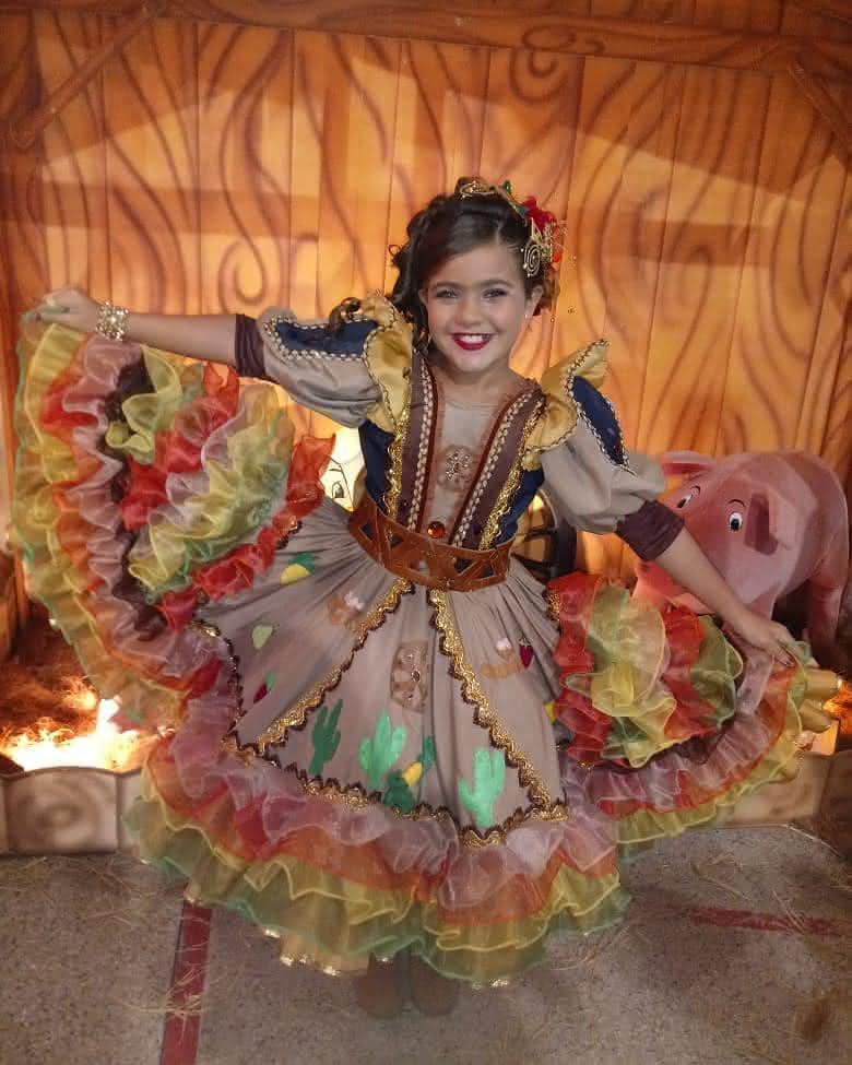 vestido-infantil-rainha-do-milho