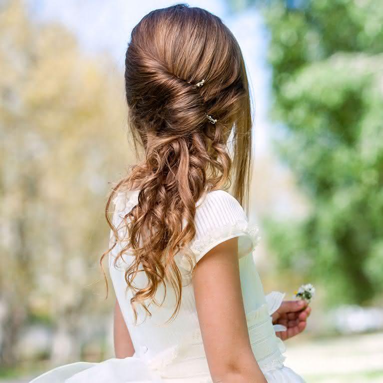 Penteado formatura infantil lateral
