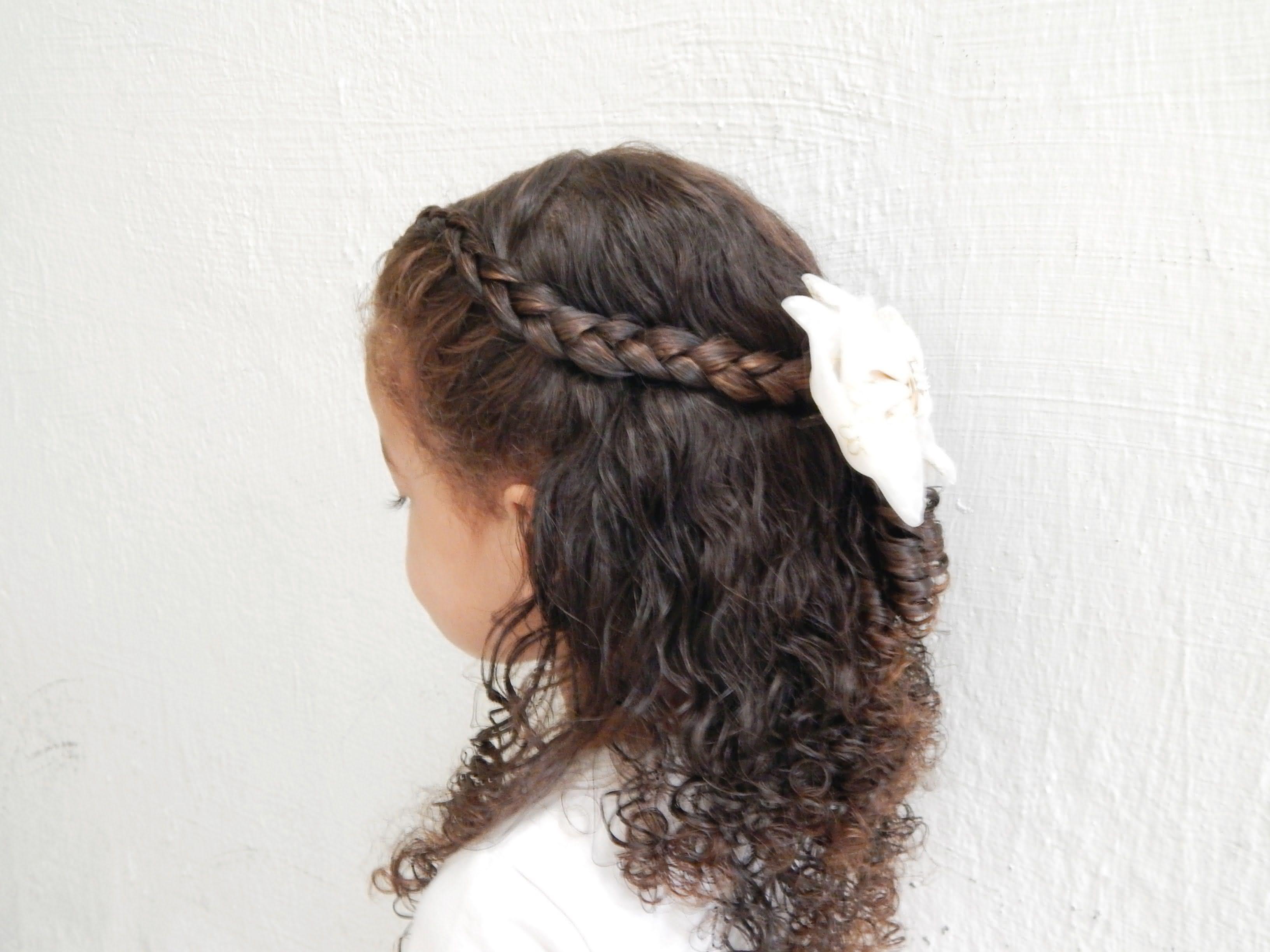 Penteado Infantil com Cachos
