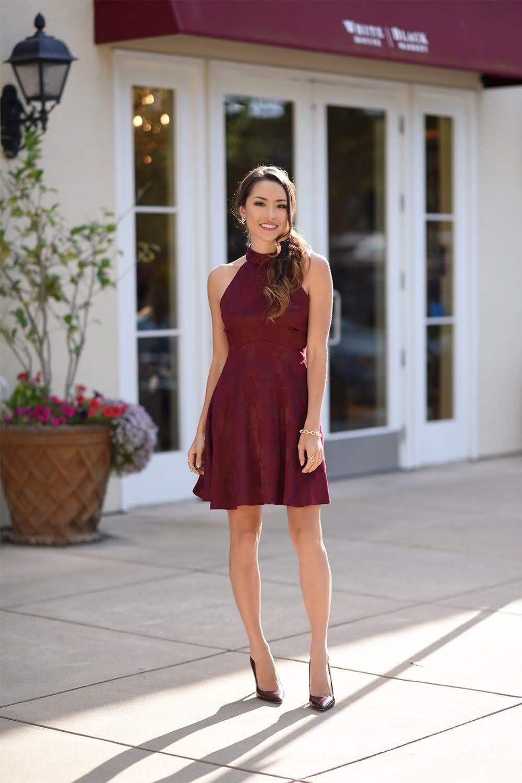 Como usar vestido marsala curto